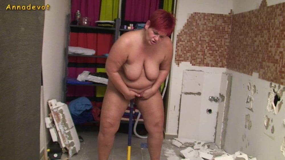 Sledgehammer SQUIRTING - 15 Pics