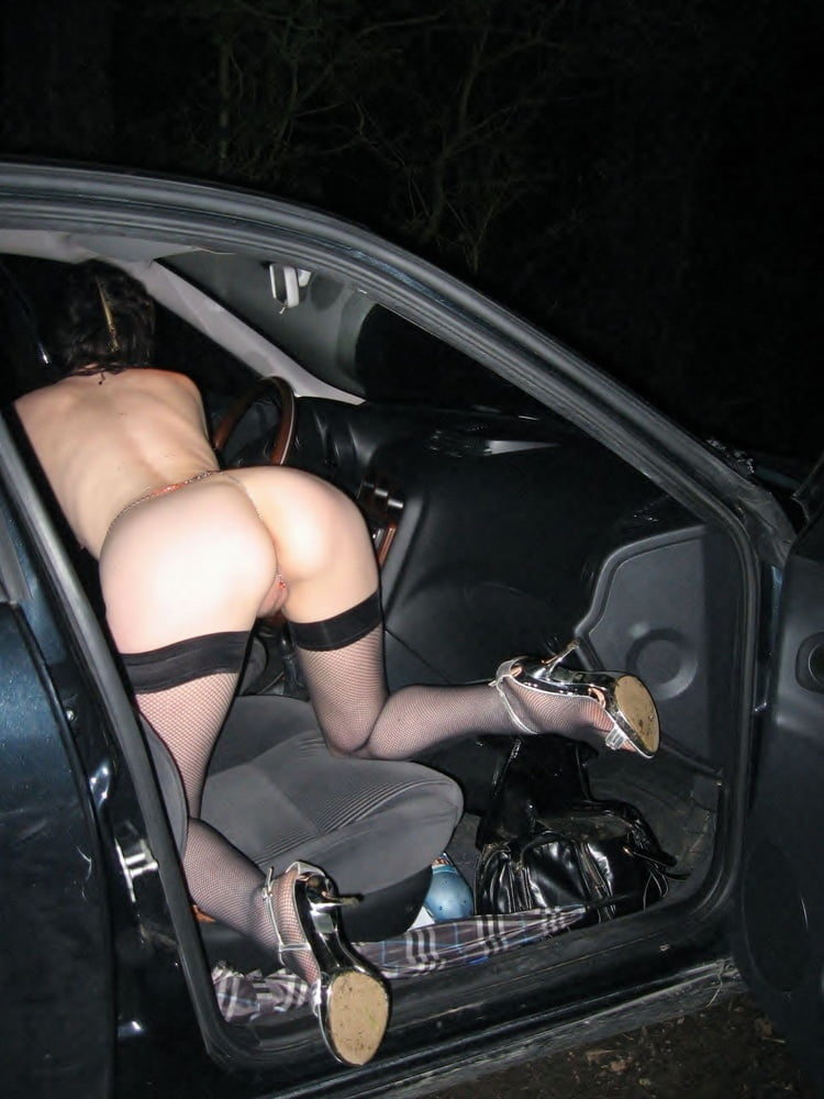 Sexy hot girlfriend had to piss in public parking lot