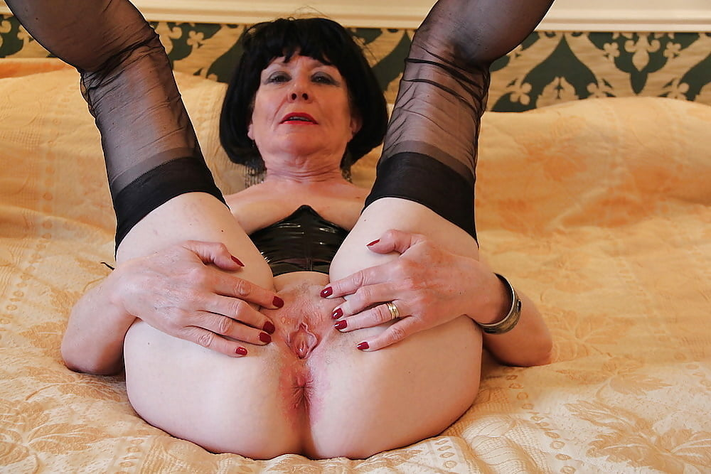 granny-anal-gaping-shemale