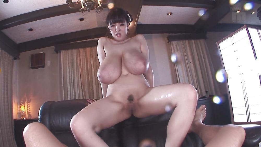 Horny Mini Diva Footjob
