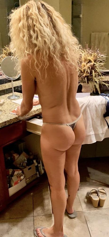 MILFS Mom Blonde Beautiful Mature - 7 Pics