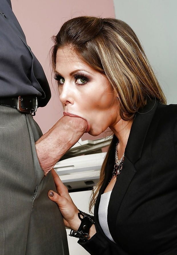 workplace-blowjob-storiestures