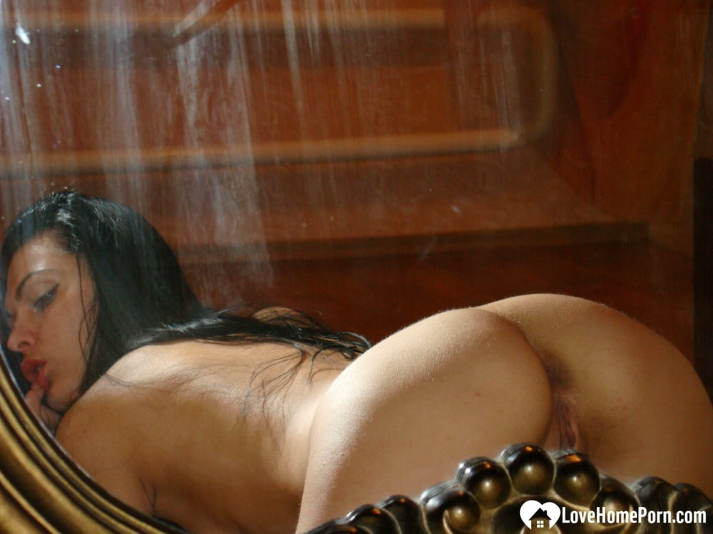Hot naked shoot after a nice dinner - 54 Pics