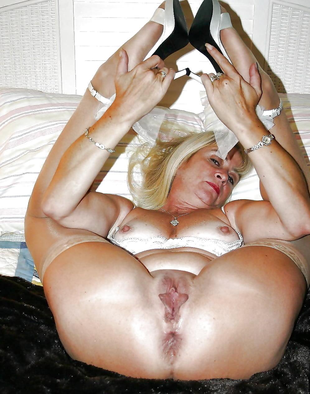 Зрелые ноги порно фото только качественные порно