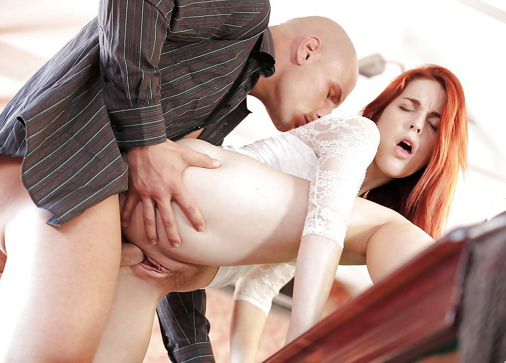 Порно с рыжей в мини юбке #15