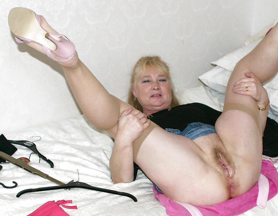 Older women spread pics
