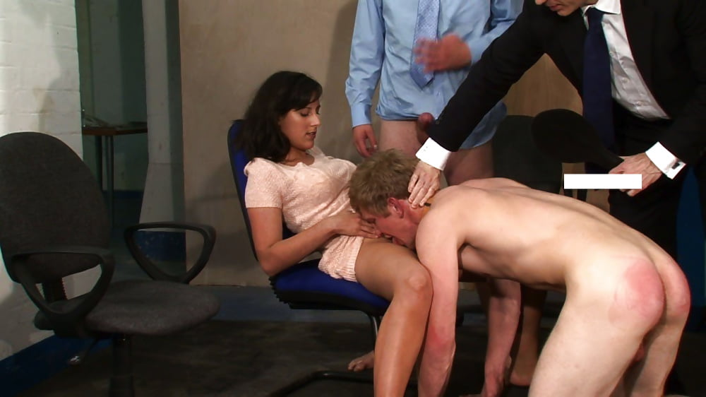 humiliation-porno-forced-to-look