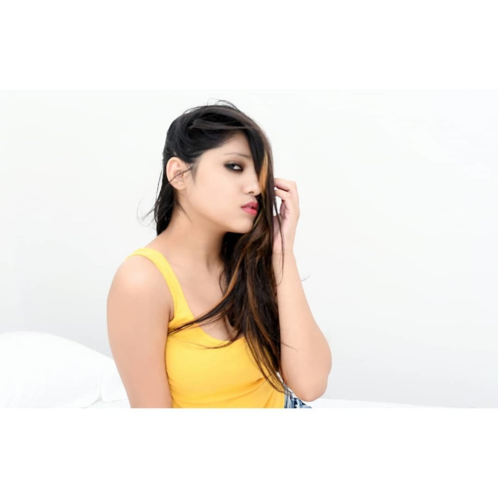 Indian girls sexy boobs photos-8131
