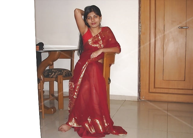 Sexy indian wife in saree