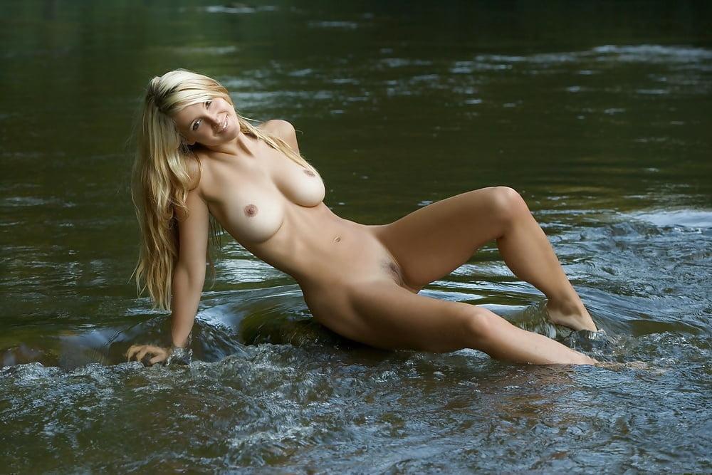 Femjoy Busty Blonde Corinna Rea 1