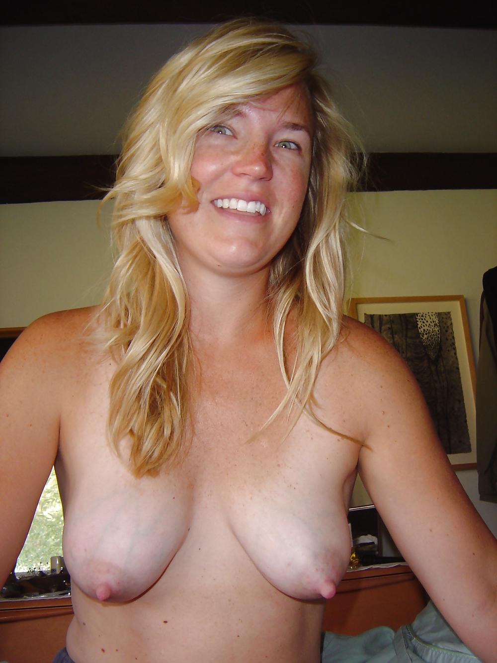 petite-schoolgirls-nashville-wife-nude
