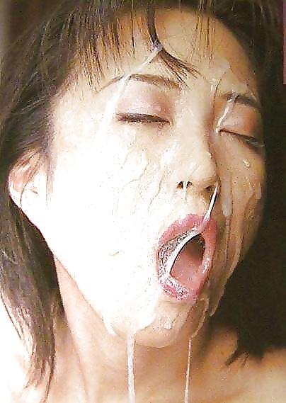 Азиатку наполнили спермой, партнера для куни