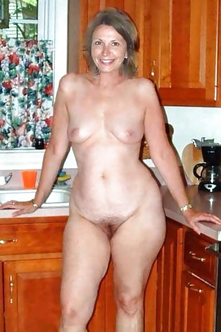 hot-sexy-pear-shaped-milfs-naked