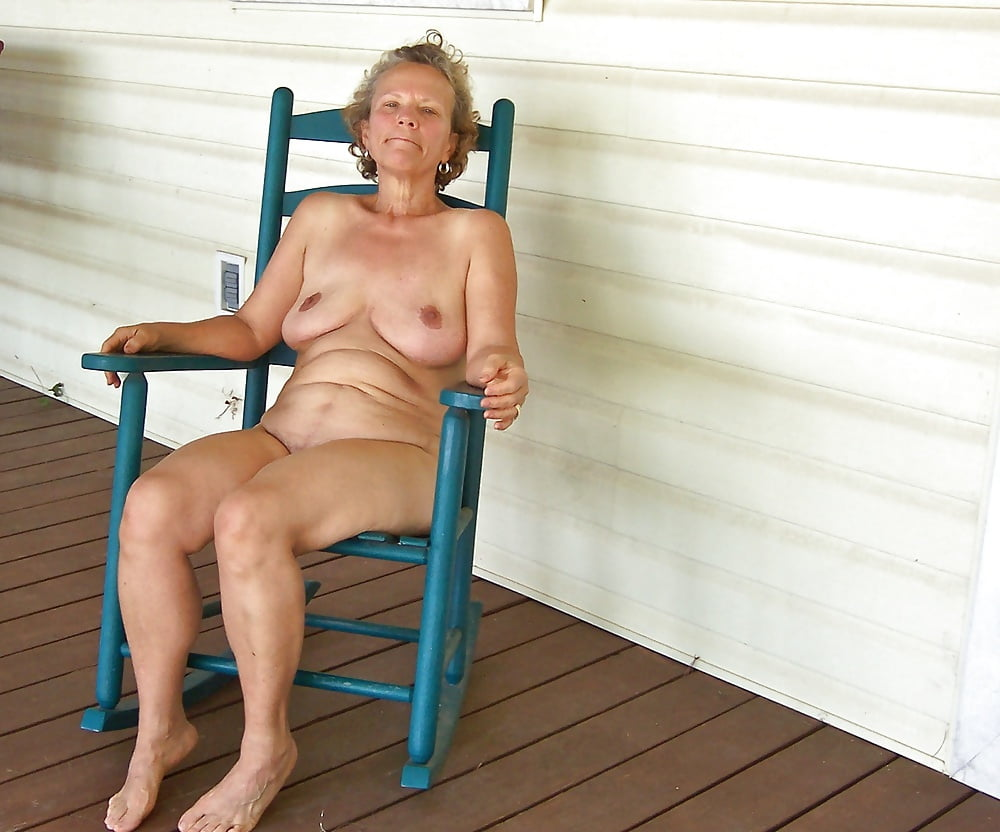 Free thumbnails of naked old women