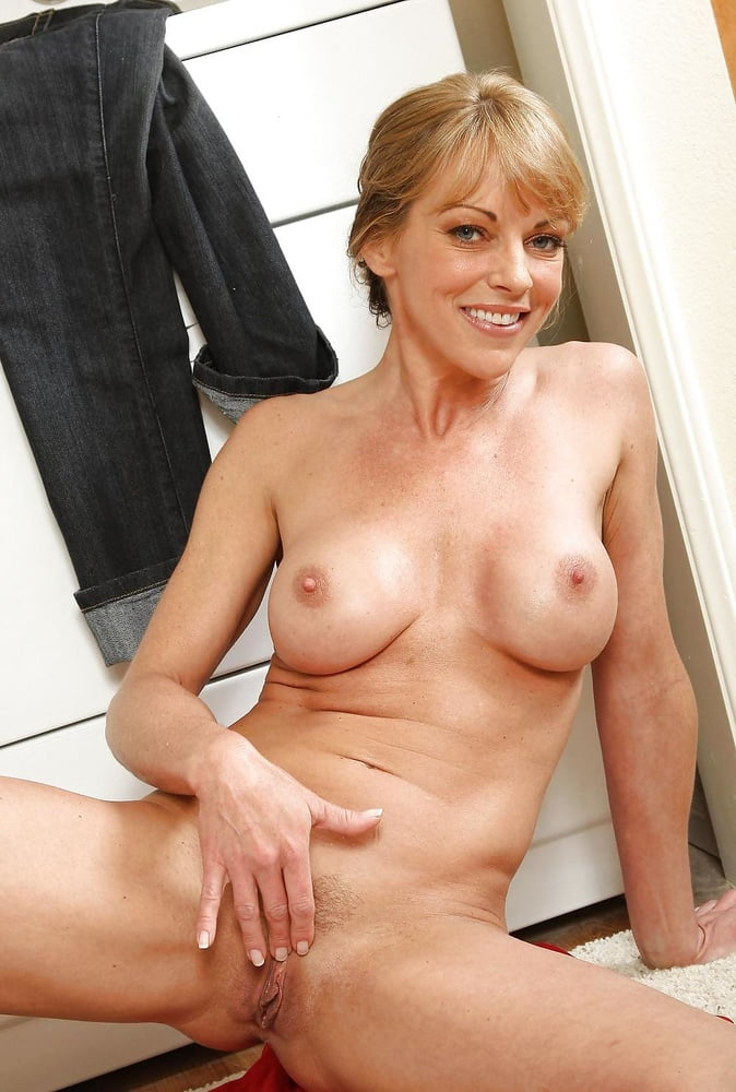 Hot sexy old cougars naked