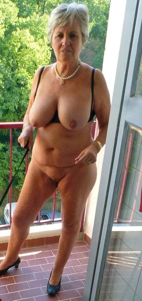 teacher-sex-nude-buxom-grannies-shaved-head