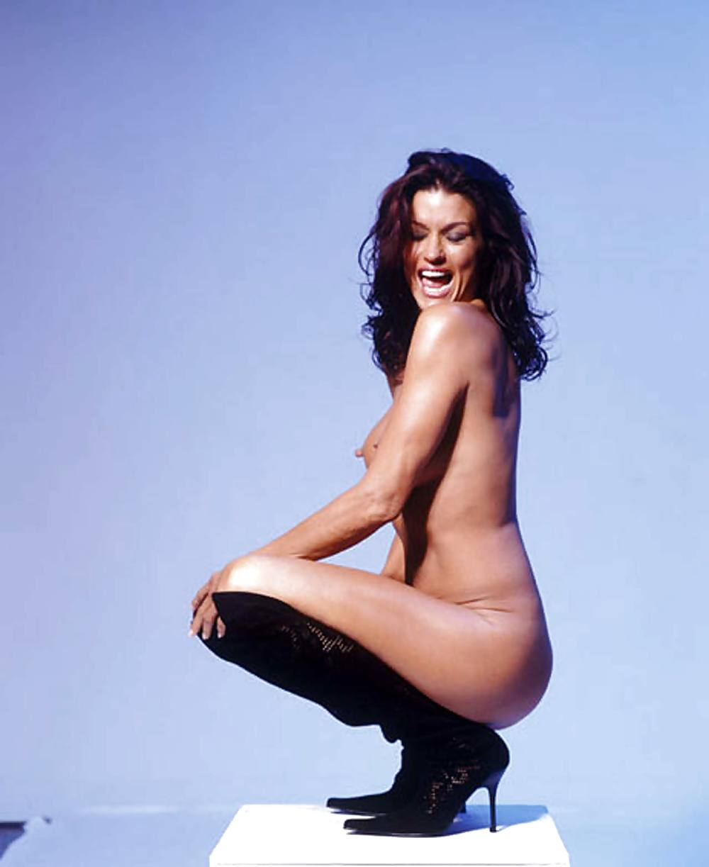 I love my body, declares model janice dickinson as she goes naked