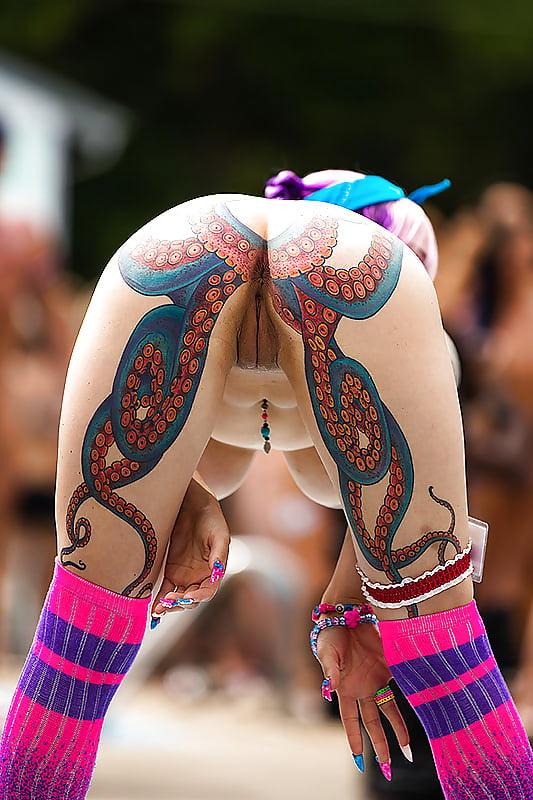 Sexy slo mo tattoo butt 9