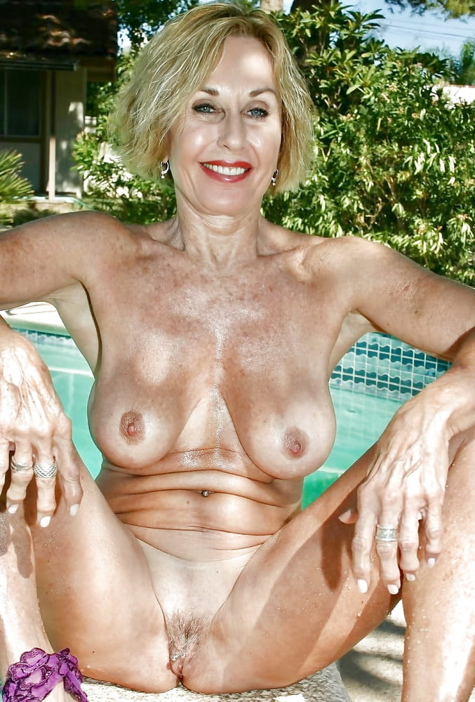 Horny Gilfs Share Their Naked Photos Online