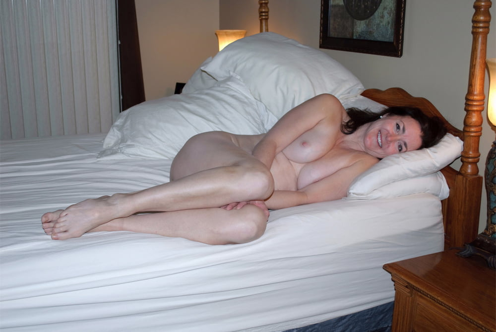 naked-wife-bunk