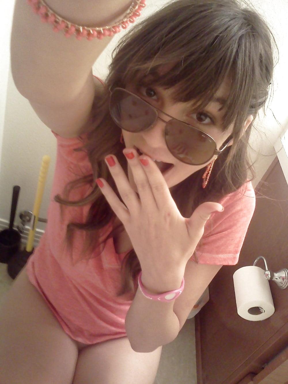 Hot brunette college girl-3383