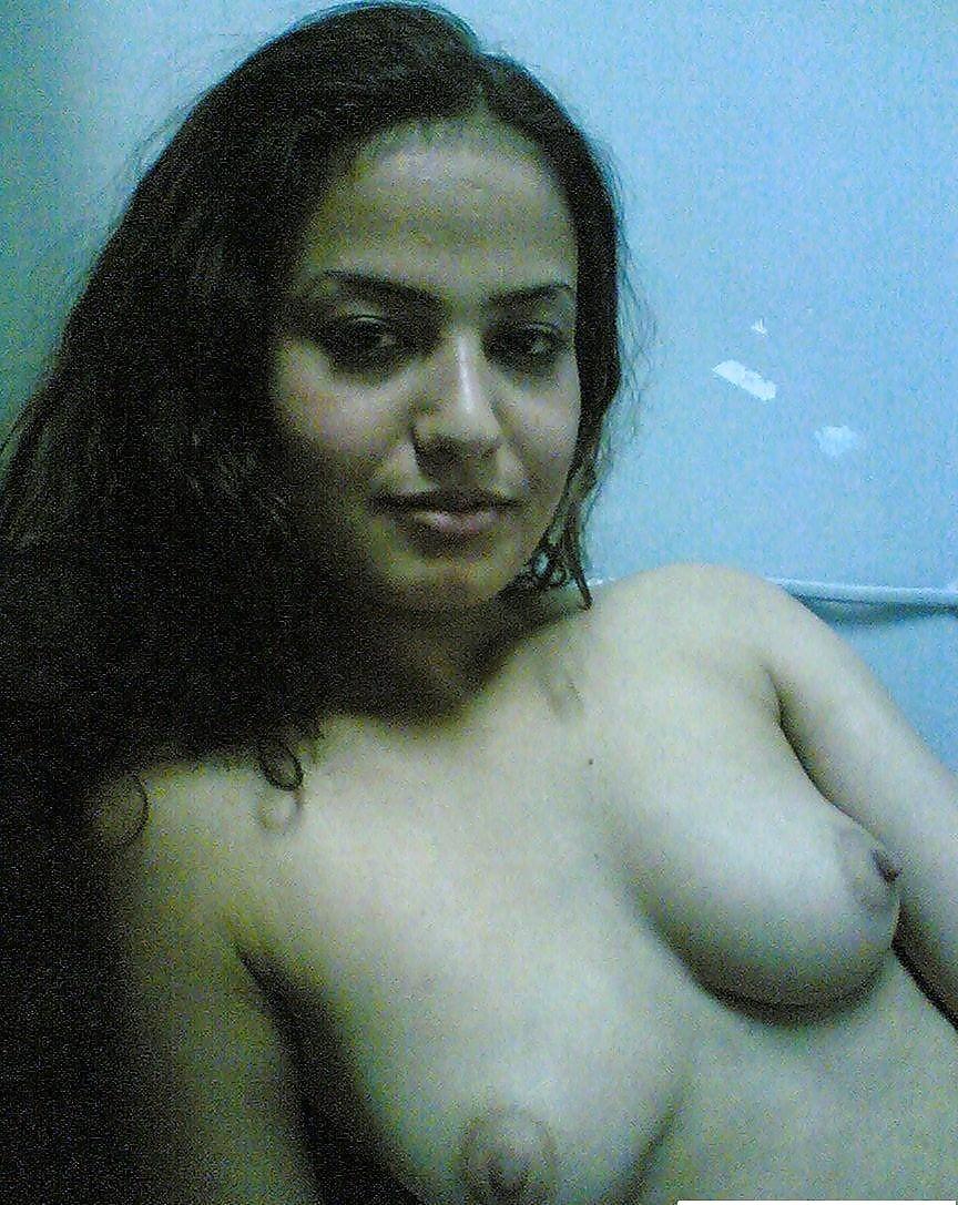 Arab nude mujra