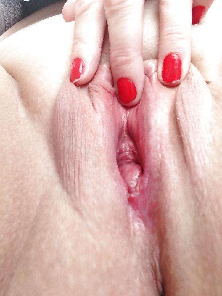 Red Nails Masturbation Porn Pics