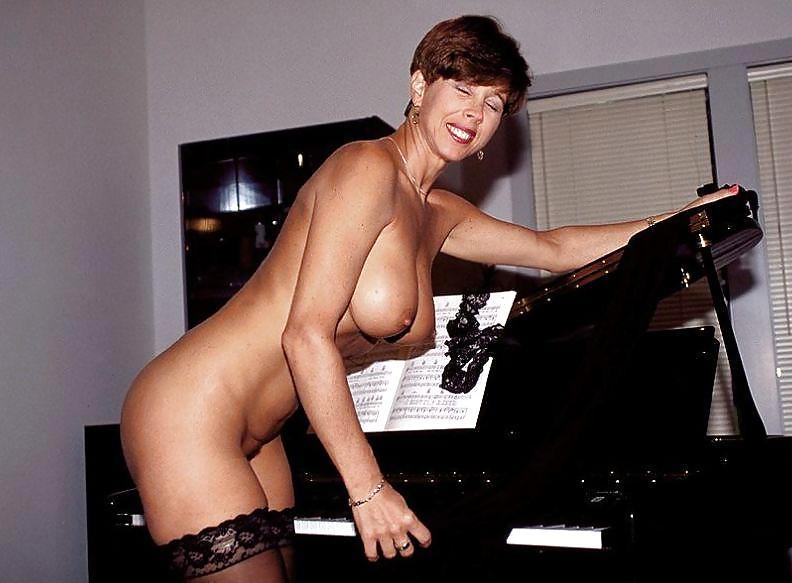Piano Teacher Milf - 17 Pics  Xhamster-8440