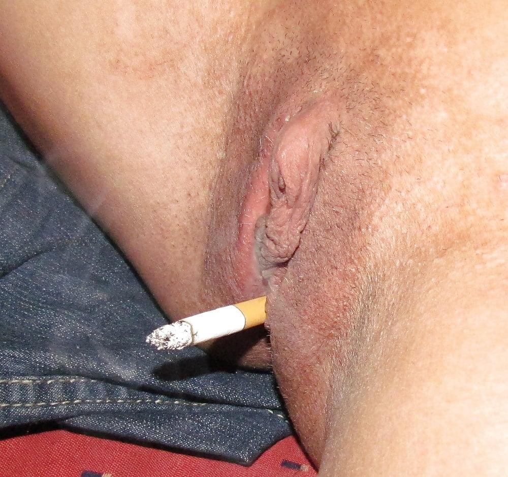 Порно курит пиздой, фото пизда с членом крупным планом