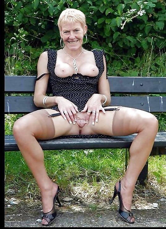 Фото порно женщины возрасте в юбках, длинноногие в сексе порно