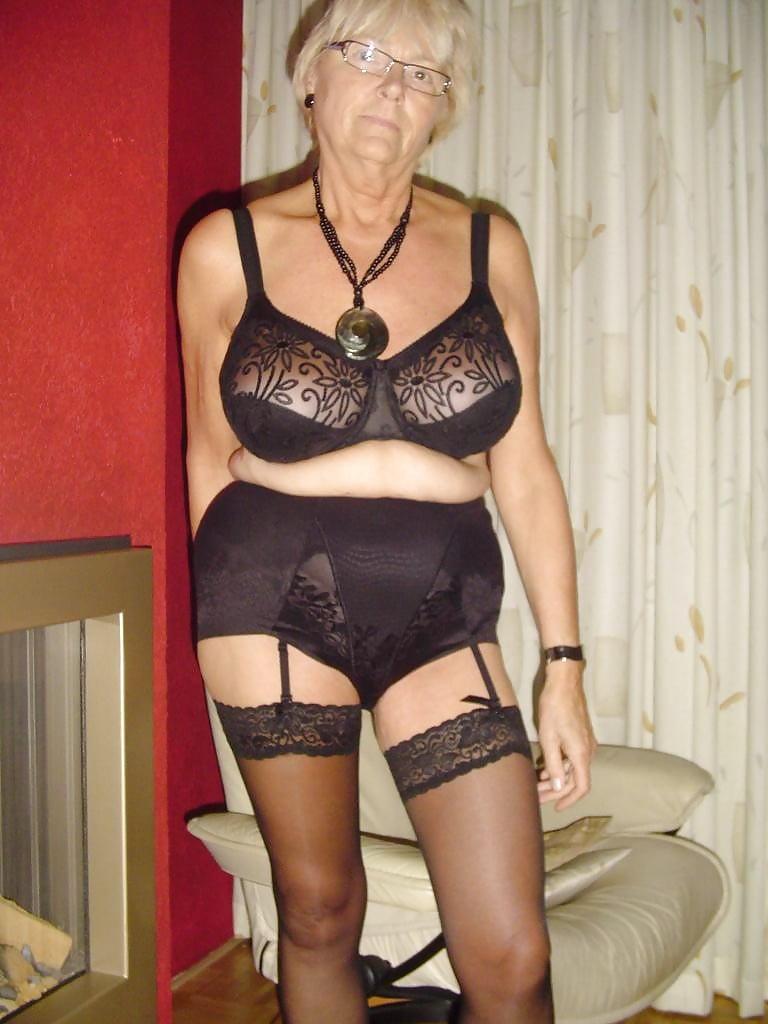 Порно фото пожилые женщины в нижнем белье, кончил жене на лицо домашняя нарезка видео