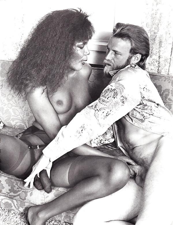 Vintage shemales sex b&w - 50 Pics