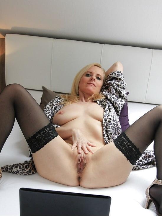 Mature Dirty Tina fickt mit jungem Stecher