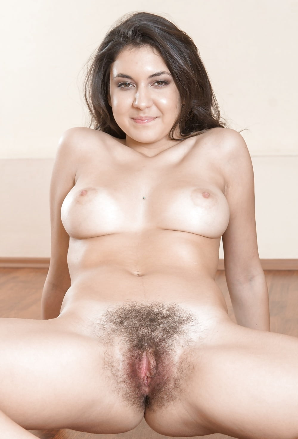 Light skin mature carrying big titties and a hairy pussy - 3 part 5