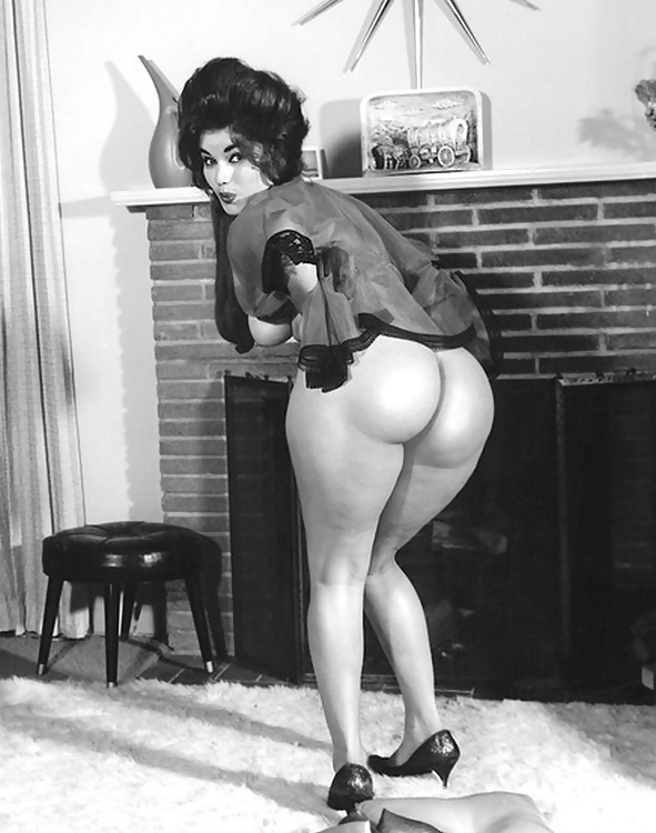 getting-fucked-vintage-nude-women-butts-first