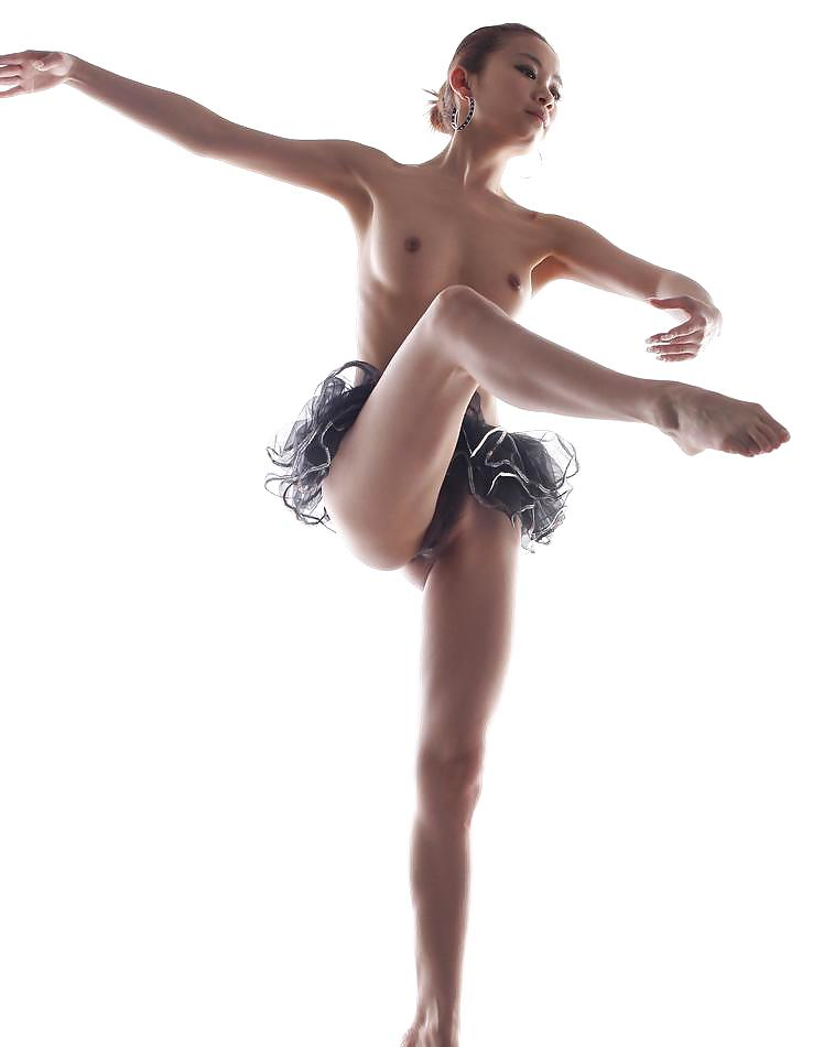 young-topless-ballet-dancer-video