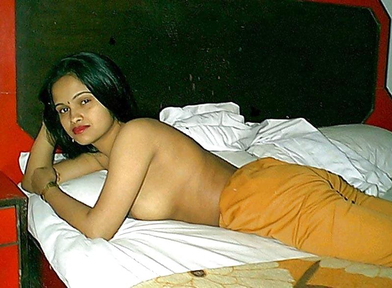 Hindi hot sexy bhabhi devar full photo hd blue image