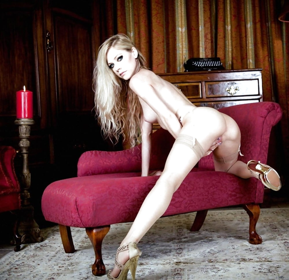Avril lavigne knelt down and enjoying these three hard cocks