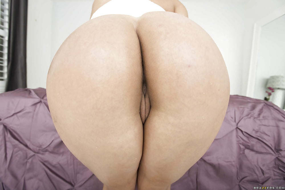 Big tits round asses models