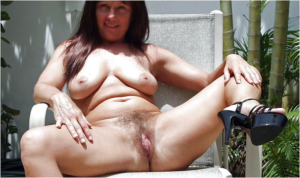 Naked mature women big butts