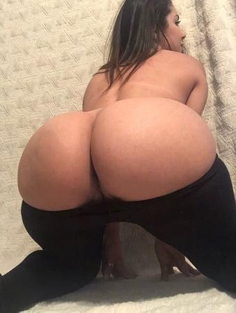 Phat ass booty white girl