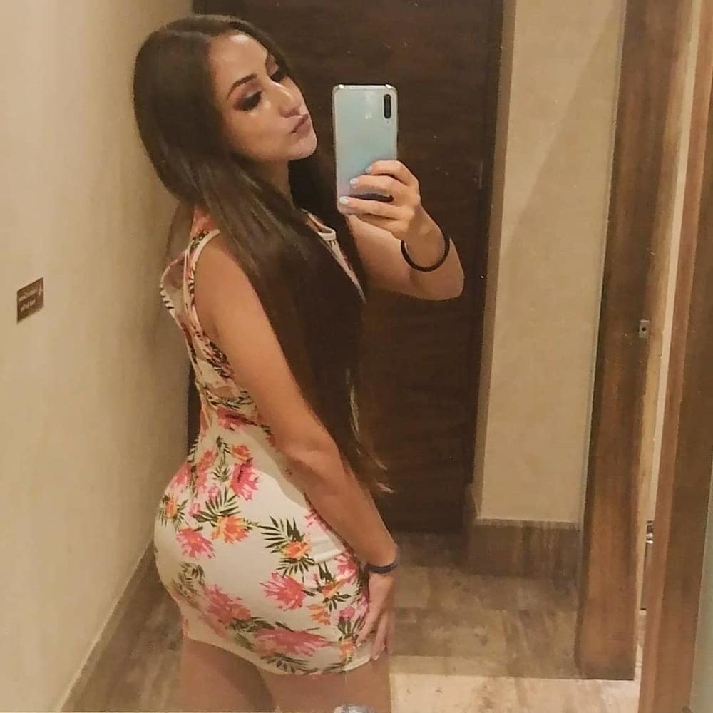 Nayelie, Sexy Girl - 10 Pics