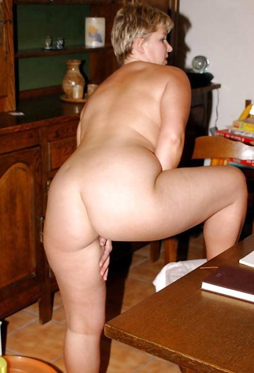 Short chubby milf — photo 2