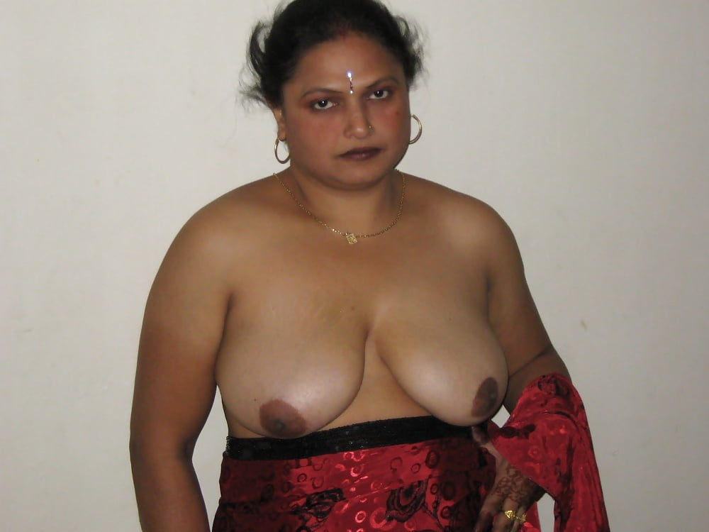 Real indian aunties naked images — photo 9