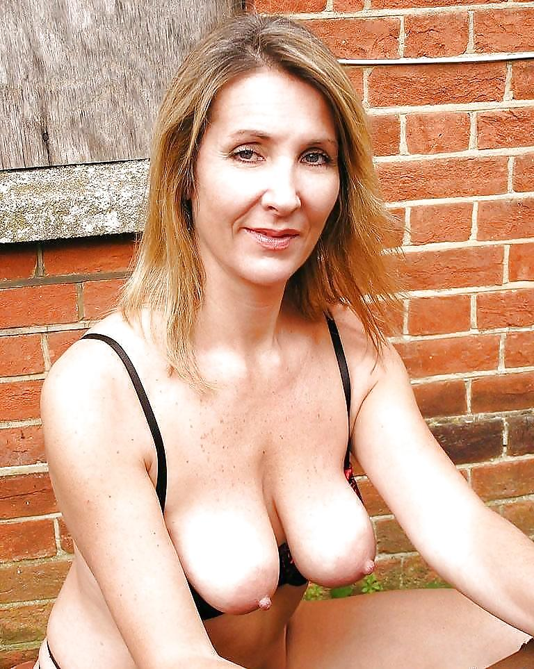 Images of hot milfs with saggy boobs — pic 5