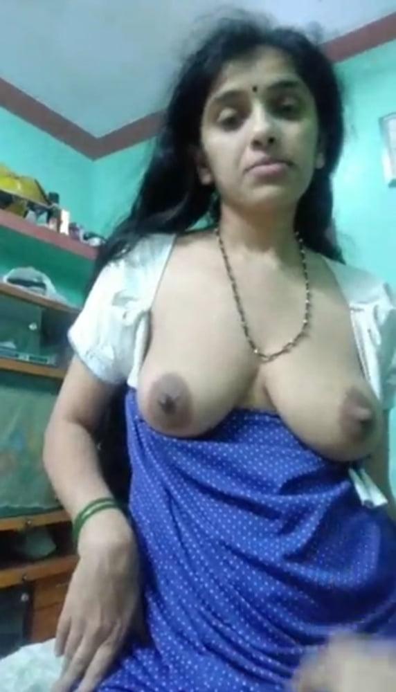 Lactating Desi Bhabhi hardcore - 11 Pics