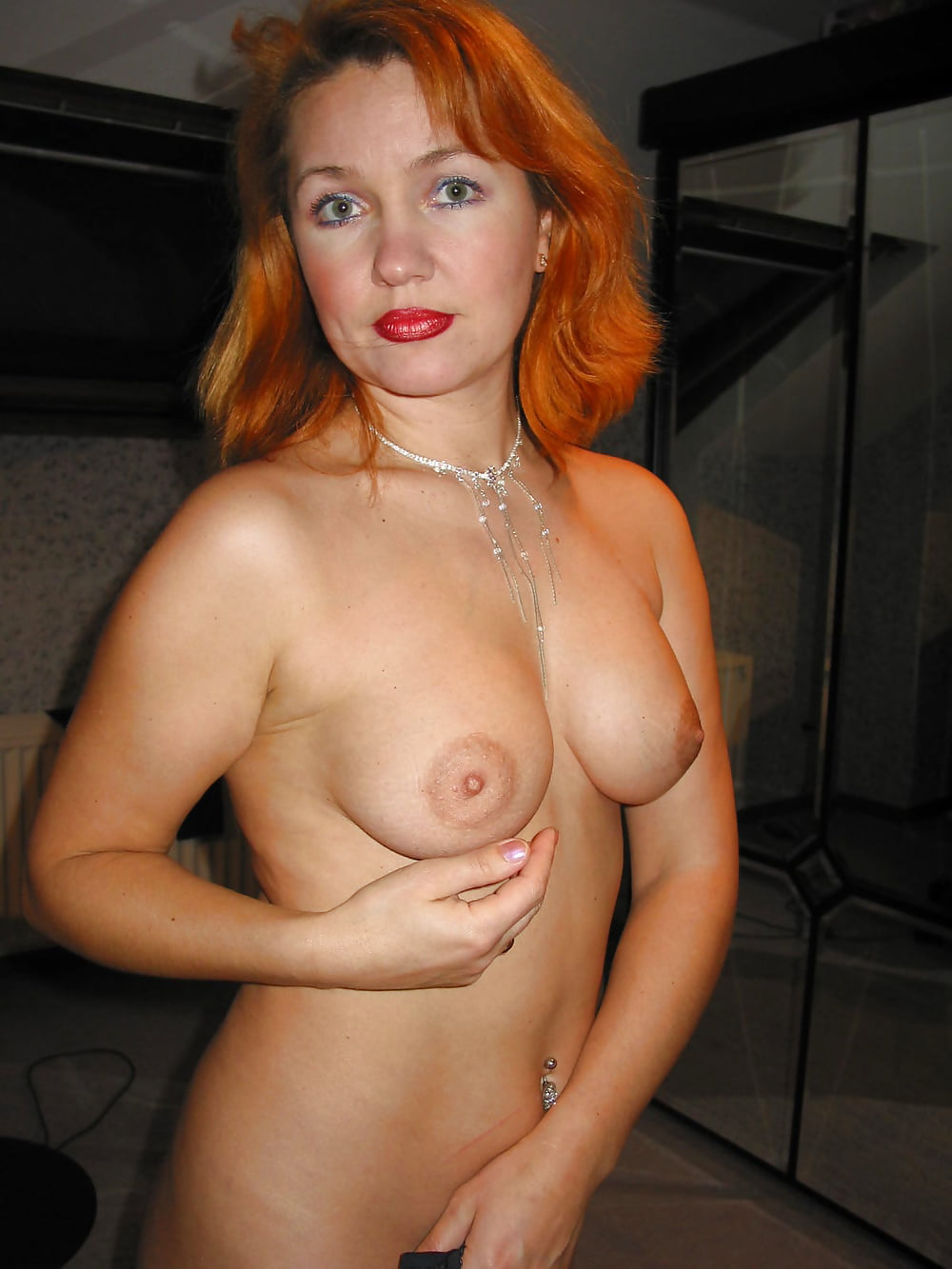 redhead-wife-nude-shows-cum-girls
