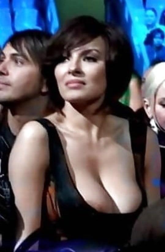 zasveti-nadezhdi-granovskoy-glubokie-zhestkie-mineti-v-porno