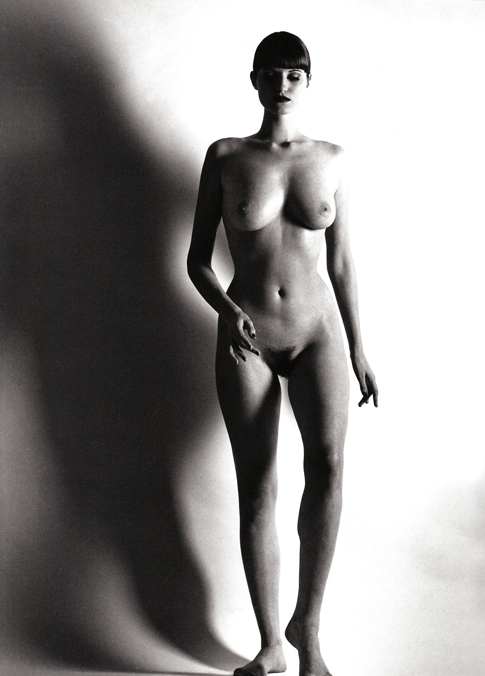 Nude french model women — pic 3