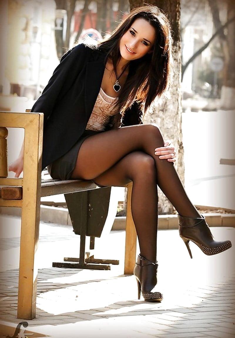 Black women in pantyhose-4989